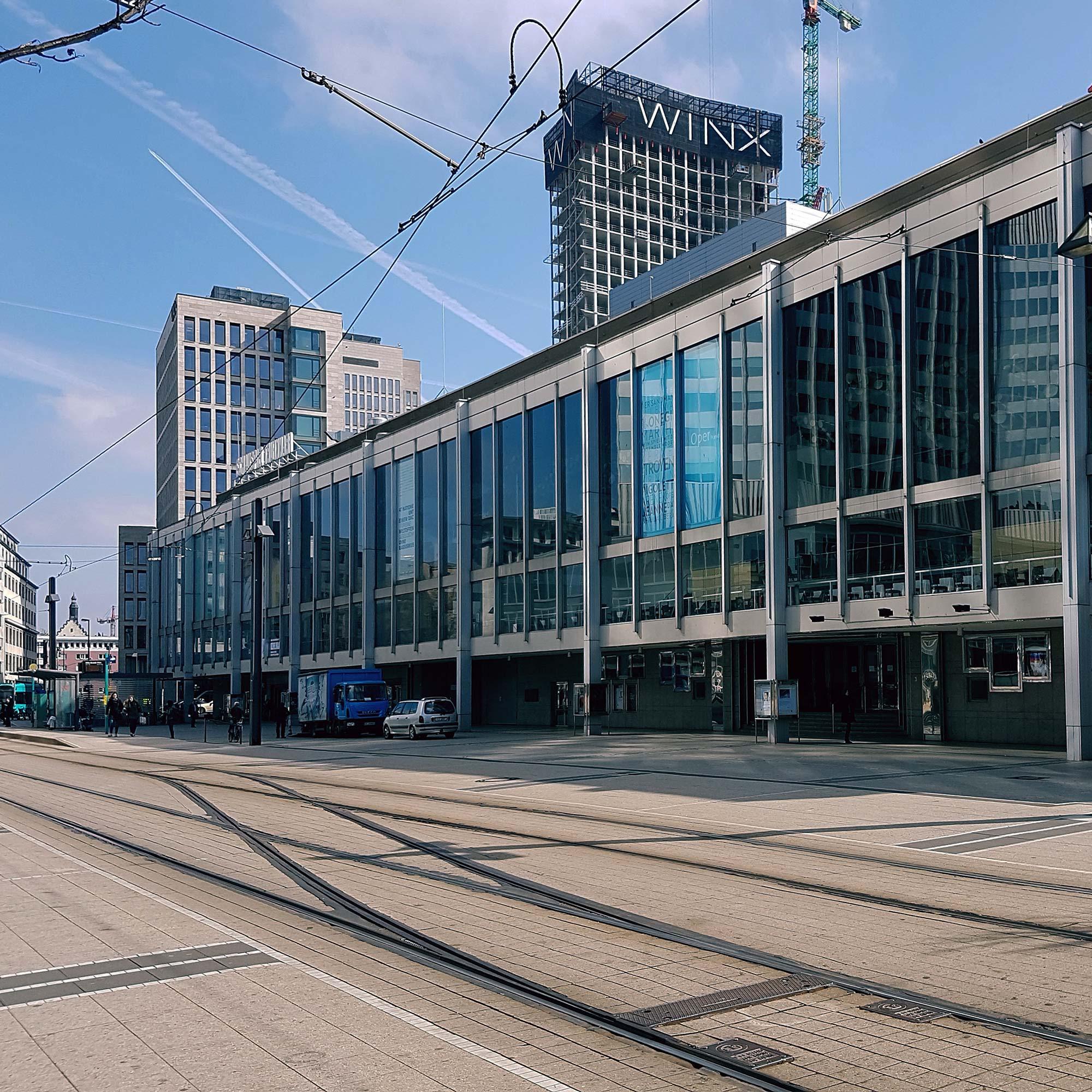 Die Theater-Doppelanlage an der Gallusanlage in Frankfurt - Abriß oder Sanierung?