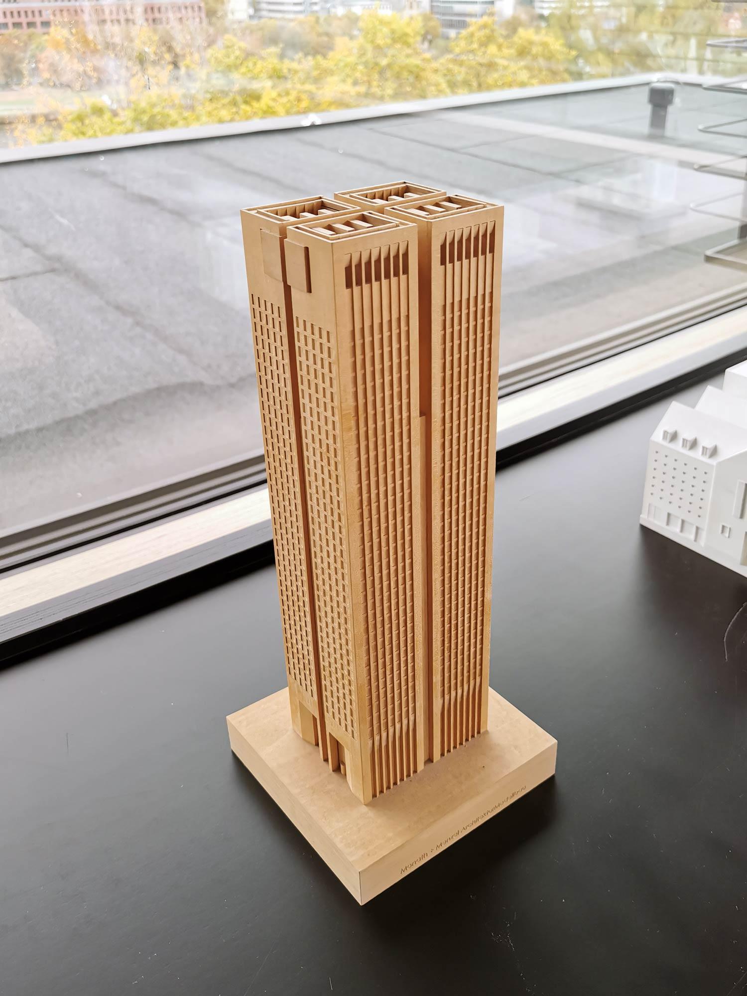 OpernTurm Frankfurt - Entworfen von Prof. Christoph Mäckler - Modell des Hochhauses im Büro von MÄCKLERARCHITEKTEN