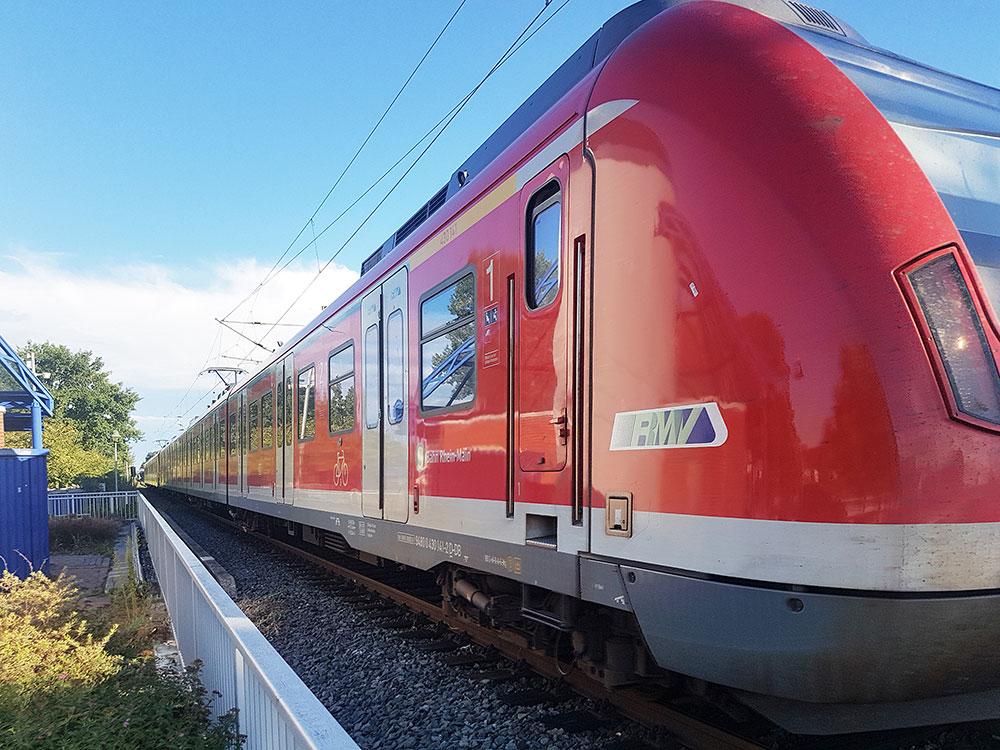 RMV Offenbach - Zugverkehr Offenbach am MAIN - RMV Zug - S1, S8 und S9