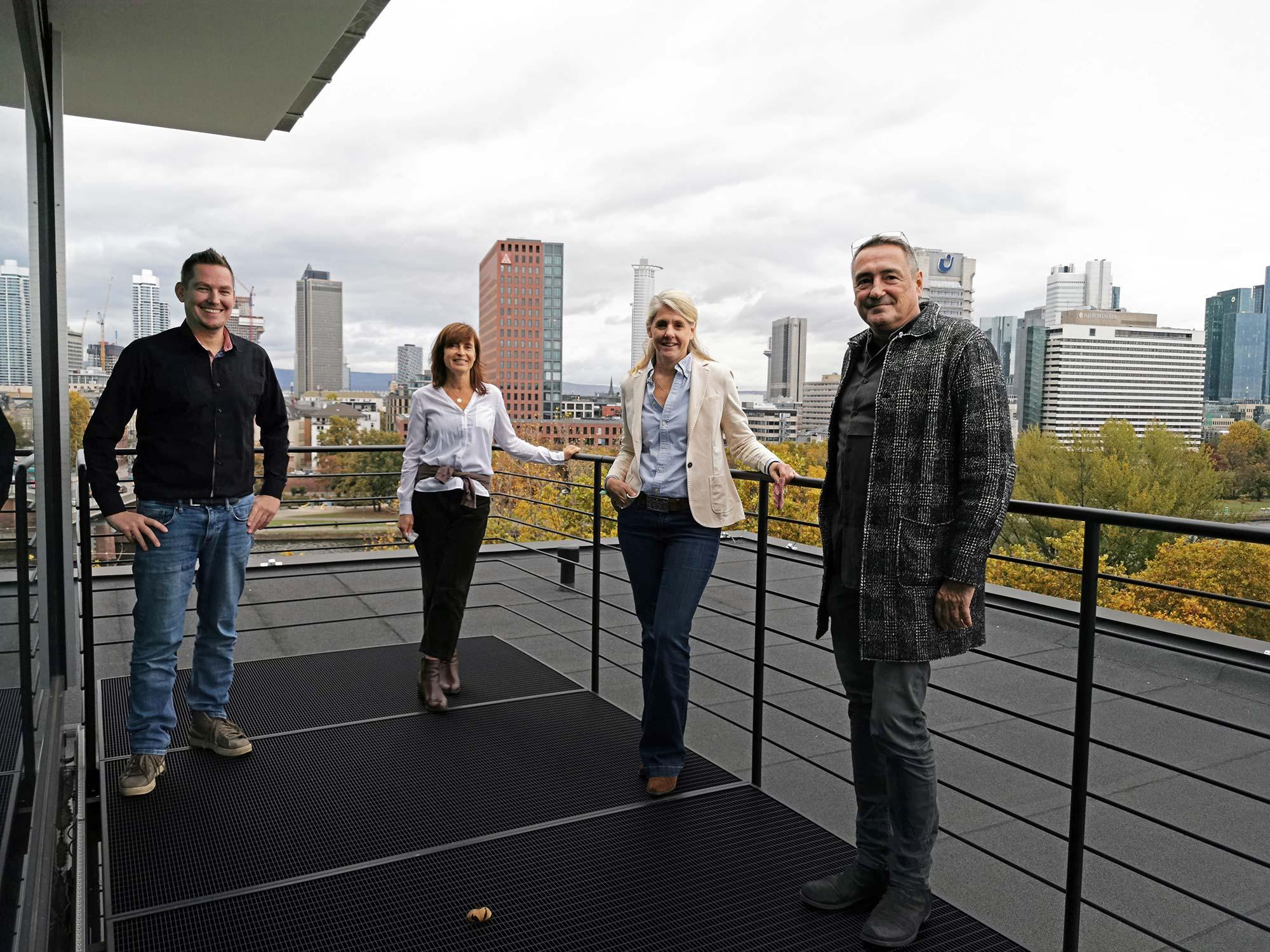 Support und Filmcrew: Danke an MÄCKLERARCHITEKTEN für die tolle Unterstützung! Von links nach rechts: Michael Wutzke - Ellen Denk - Caroline Mohler - Thomas Gessner