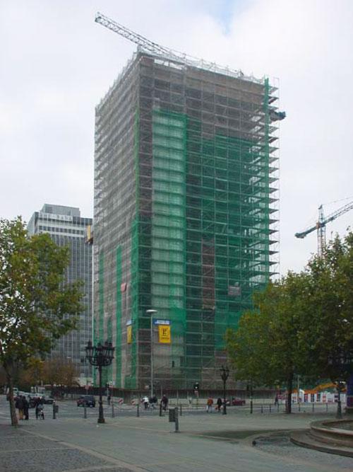 Das Zürich-Haus wird abgerissen (November 2001)