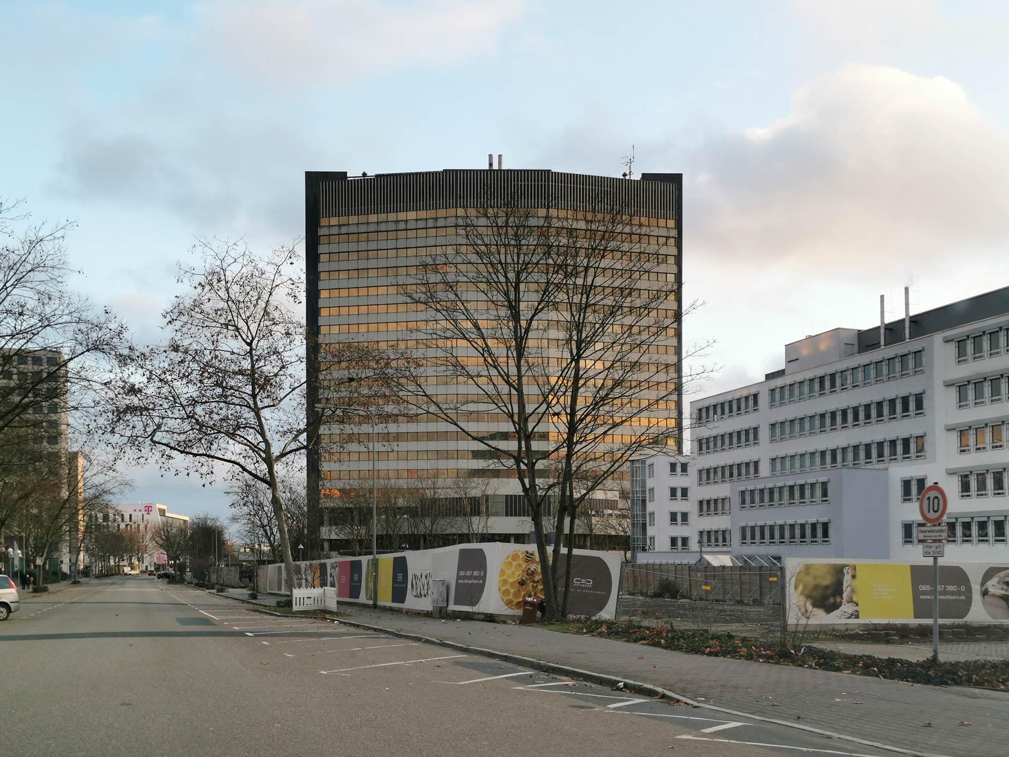 Technologie Zentrum Eschborn - TZE - Deutsche Bank Technisches Zentrum - Hochhaus Eschborn