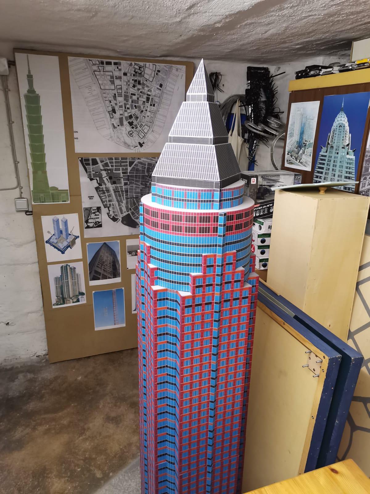 Frankfurt Messeturm Modell von Frank Reuter