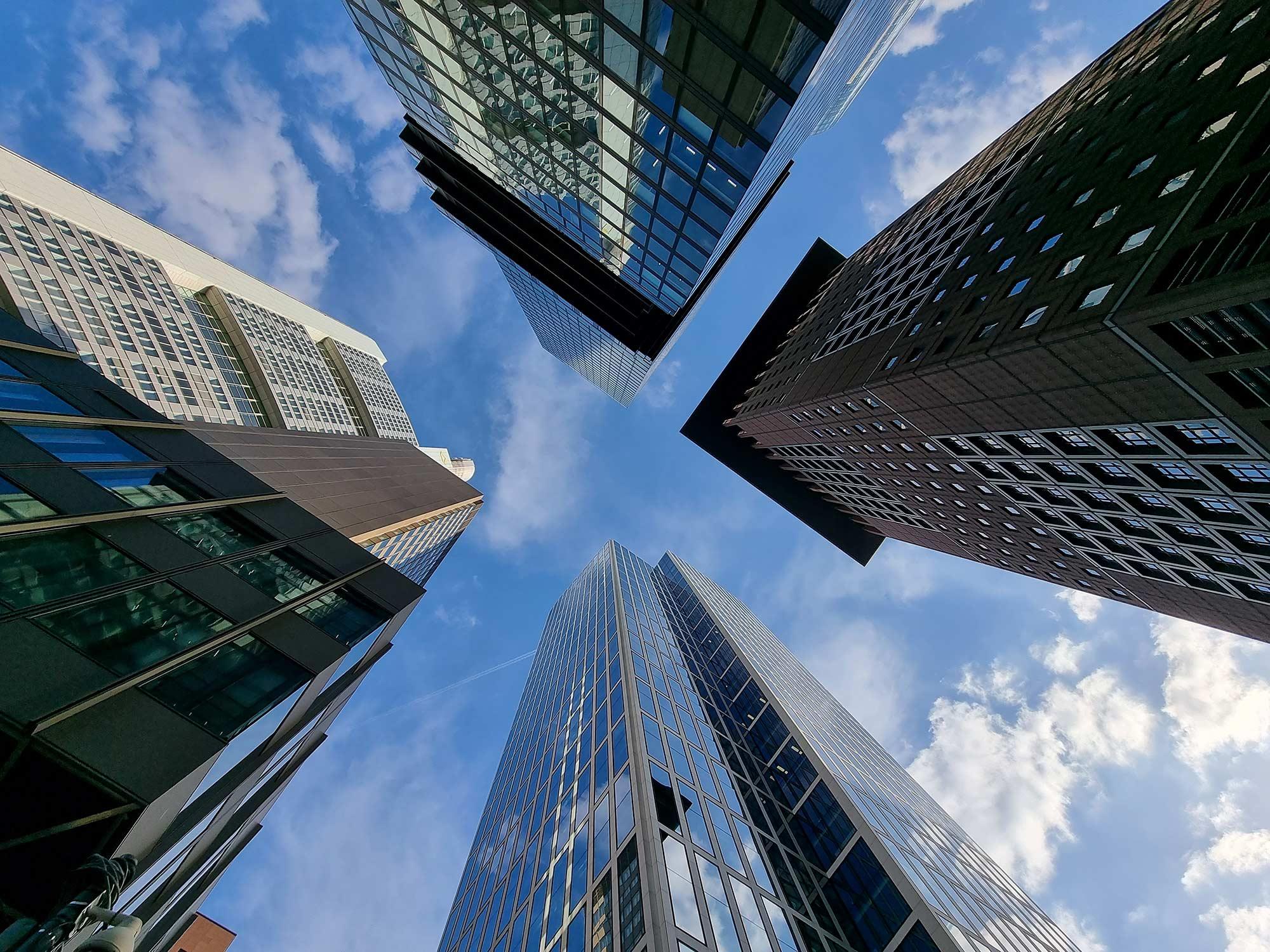 Gebäudeautomation Hochhäuser - Wolkenkratzer Frankfurt - Gebäudeautomatisierung in Frankfurt am Main und Deutschland