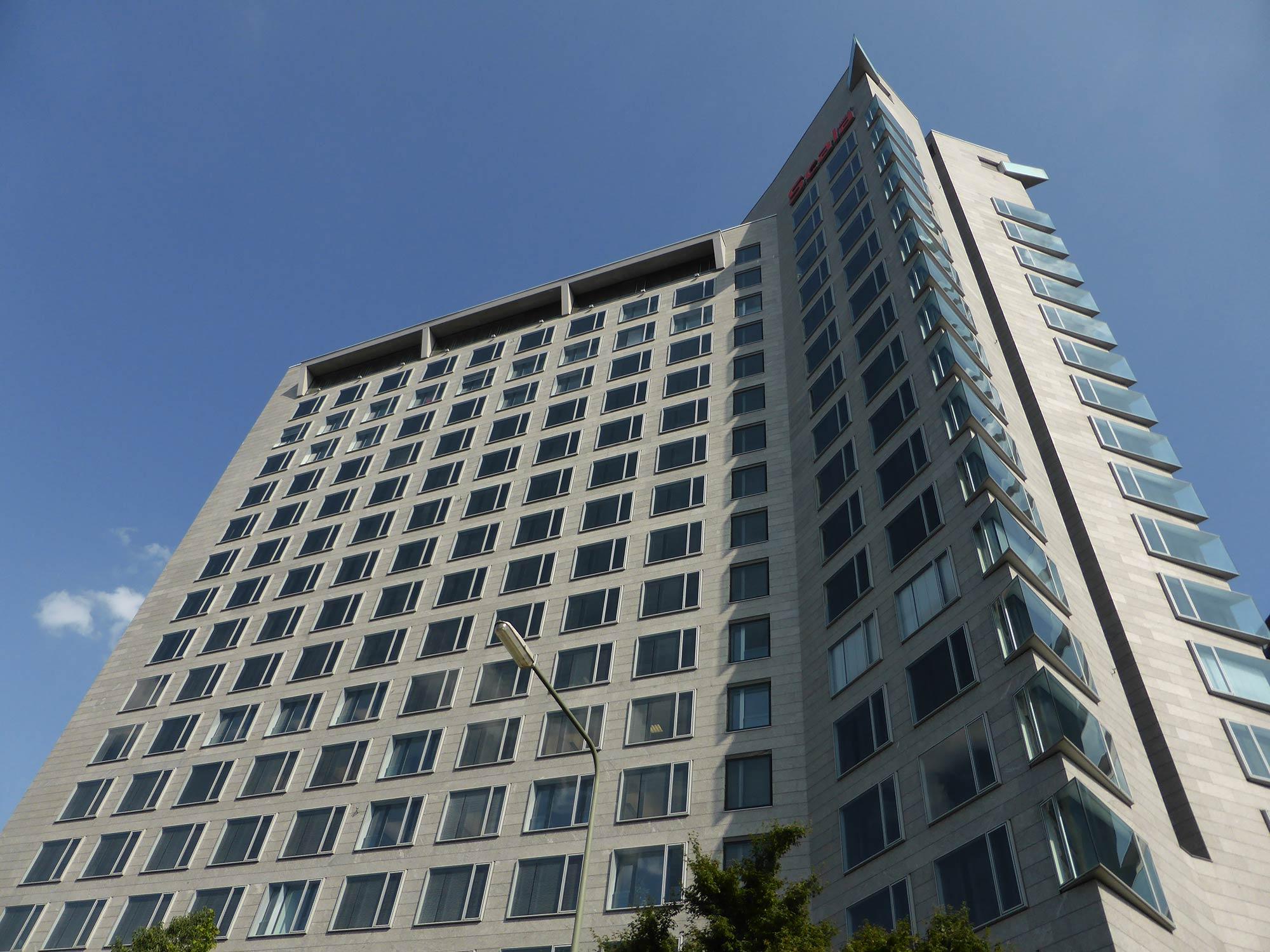 Scala West Hochhaus in Frankfurt am Main - Mäckler Architekten - Eigentümer Deka - Büros zur Miete