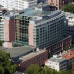Hilton Frankfurt City Centre - Frankfurt Hilton Hotel Panorama - Hilton Hotel Frankfurt Hochhaus Foto - Frankfurt Hilton Drohnenaufnahme - Luftbild Hochhaus