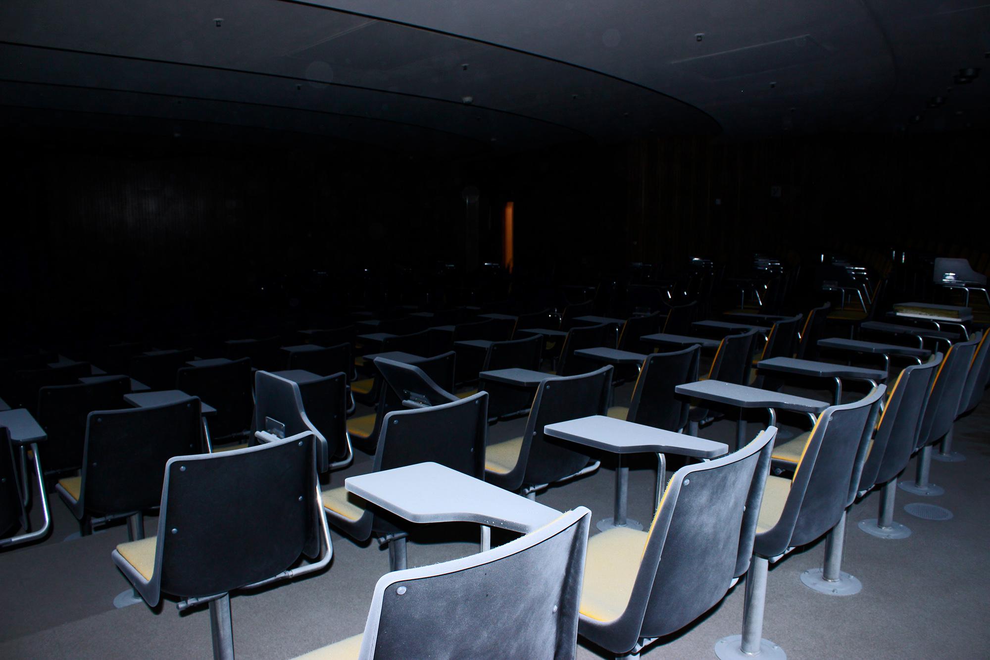 Grosser Konferenzraum 2 , Vitopia Offenbach , Baustelle Offenbach , KWU-Areal , Leerstand , Ghost Tower , Siemens , Framatom , Lost Places , Urban Exploring , Energie , Kernkraftsparte