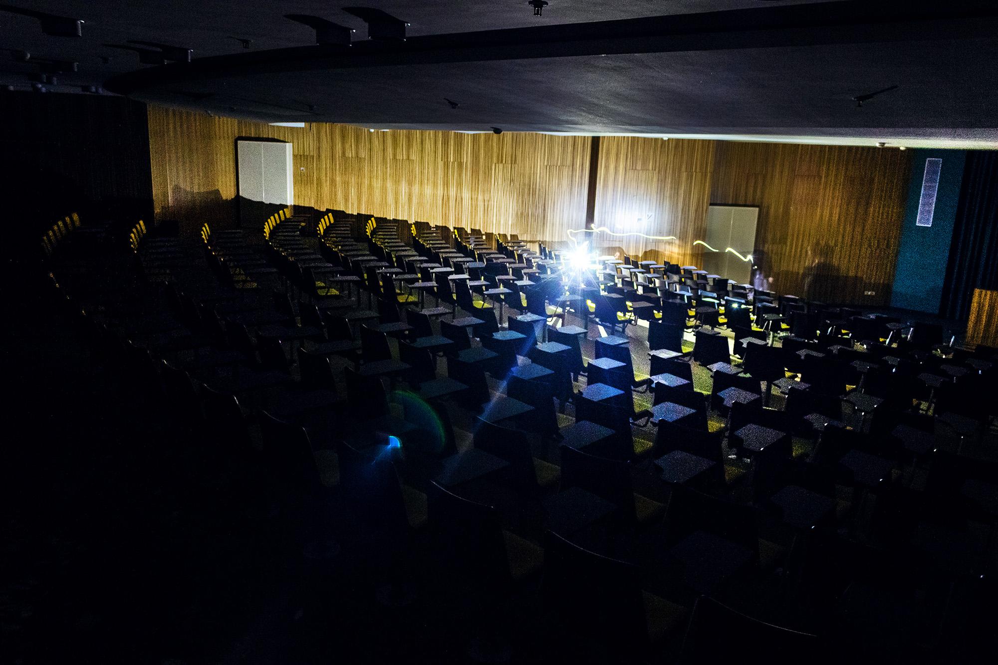 Grosser Konferenzraum 3 , Vitopia Offenbach , Baustelle Offenbach , KWU-Areal , Leerstand , Ghost Tower , Siemens , Framatom , Lost Places , Urban Exploring , Energie , Kernkraftsparte