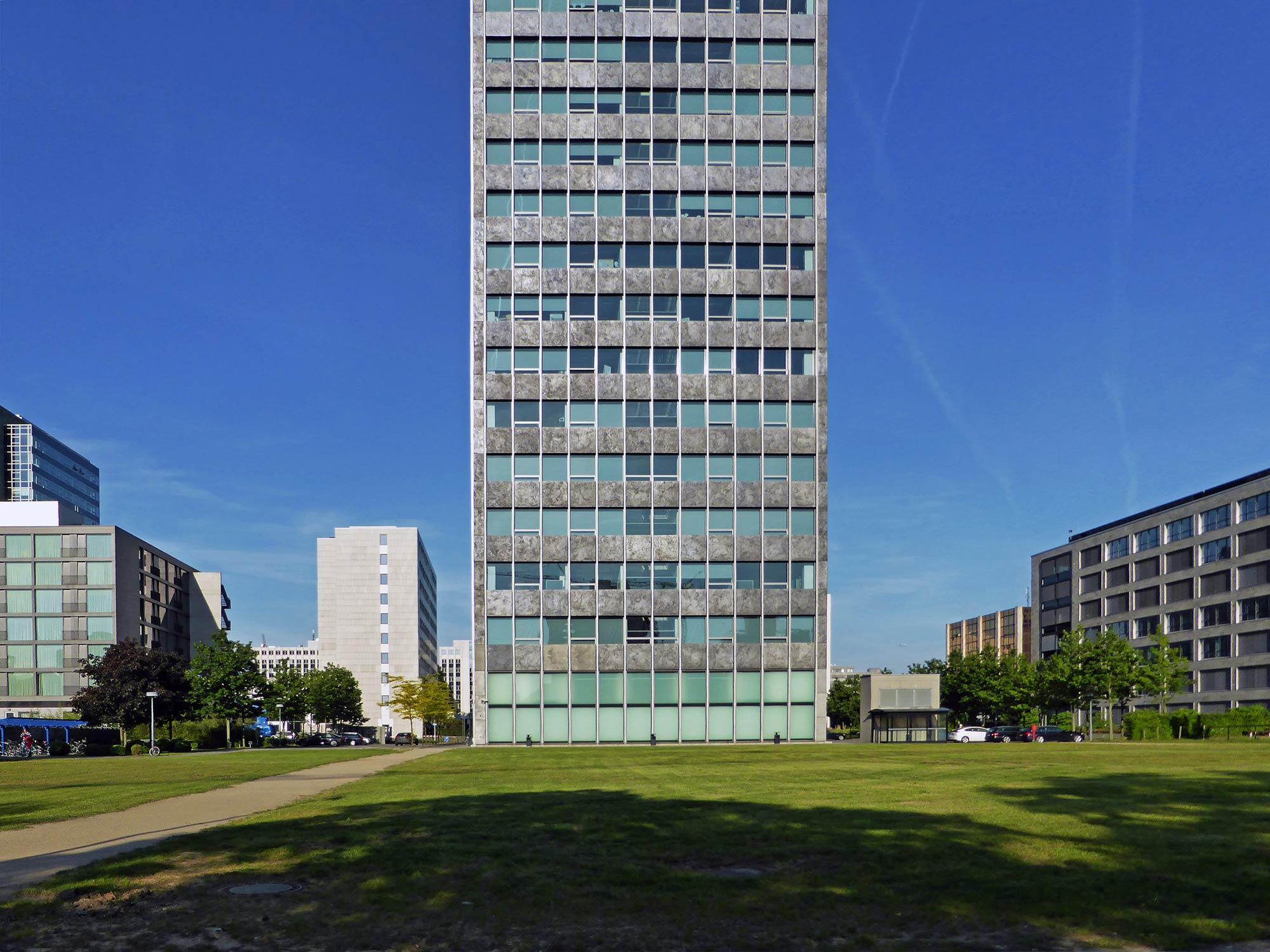 Campus Tower Frankfurt - Umgebung - Landschaftsarchitektur Hochhaus Frankfurt