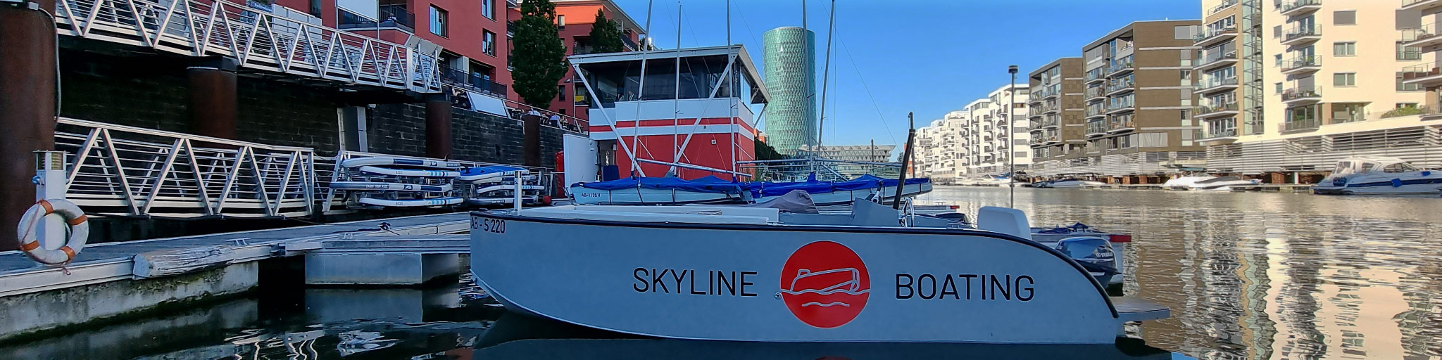 Skyline Boating Frankfurt - Skylineboating Frankfurt am Main - Bootsverleih Frankfurt - Skyline Bootstour - Boot Verleih Frankfurt - Panorama Bootsfahrt auf dem Main - Marina Westhafen