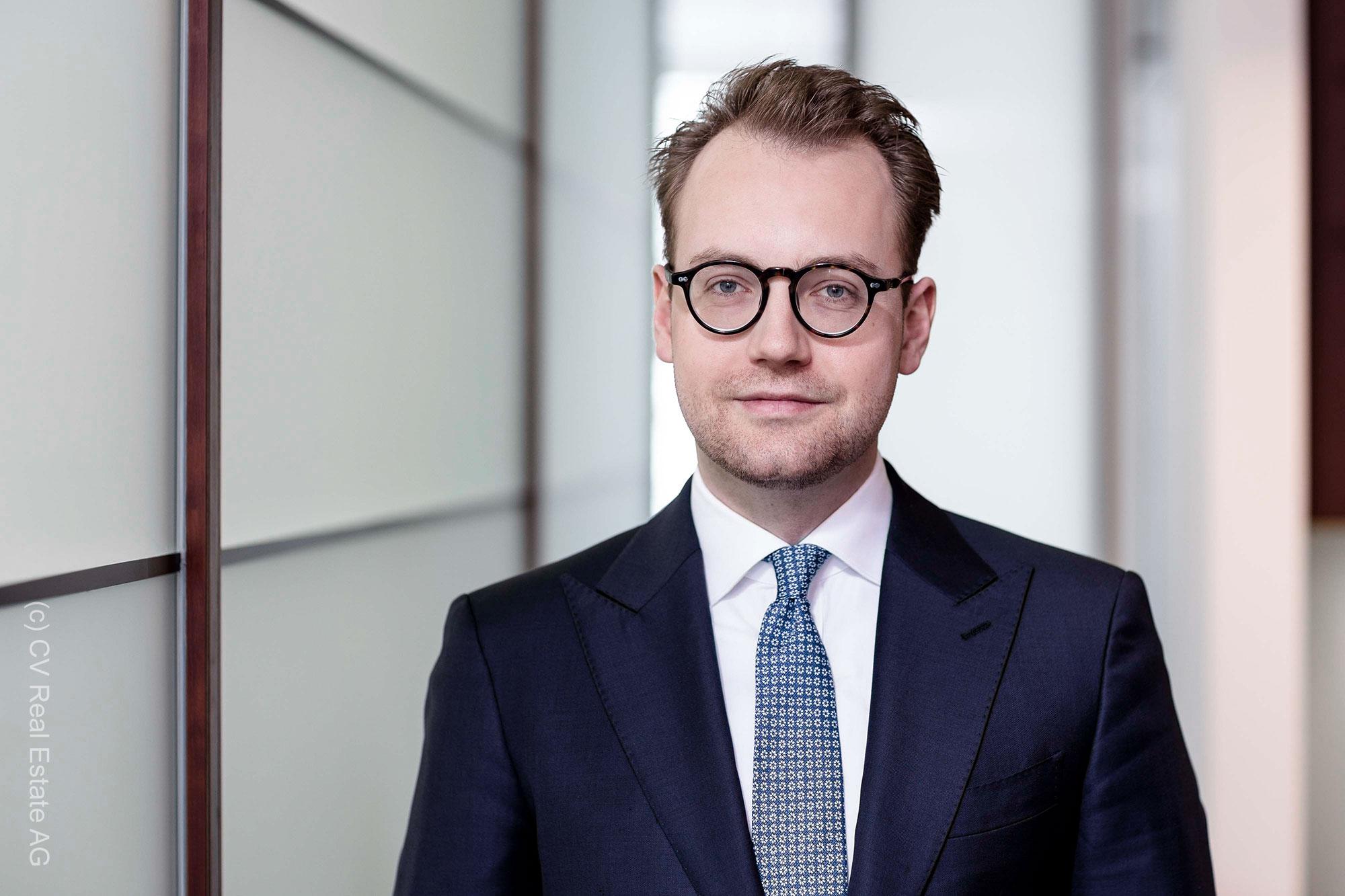 Anatol Obolensky - CV Real Estate AG