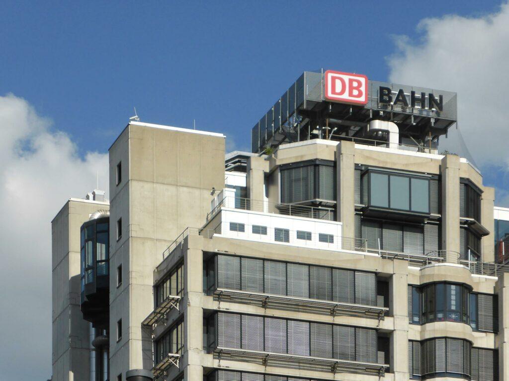 DB Bahn FFM - Europa Viertel Gallus Frankfurt - Deutsche Bahn - Brutalismus Frankfurt - Beton