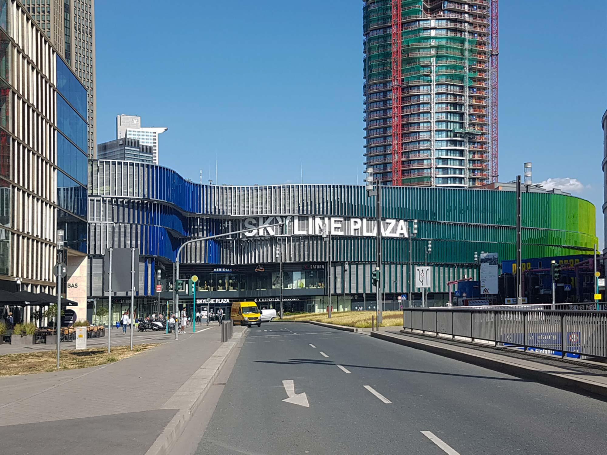 Skylineplaza Frankfurt - Shopping Zentrum FFM - Skyline Plaza - Europaallee