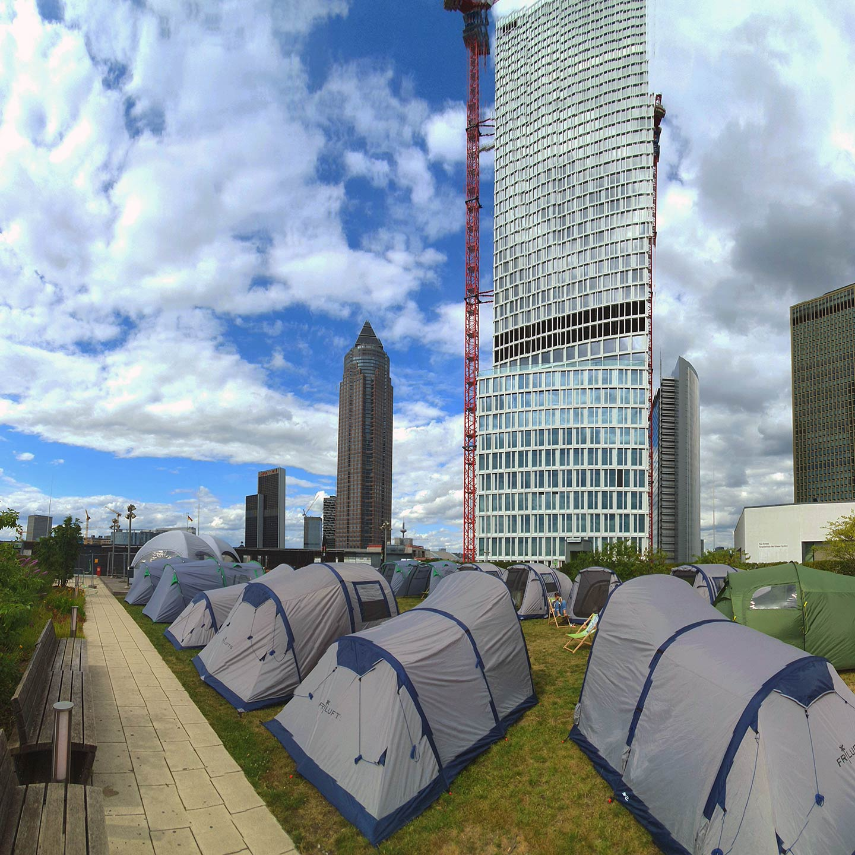 Hochhaus Camping Frankfurt - Skyline Camping FFM - Skylineplaza Dach - Zelte