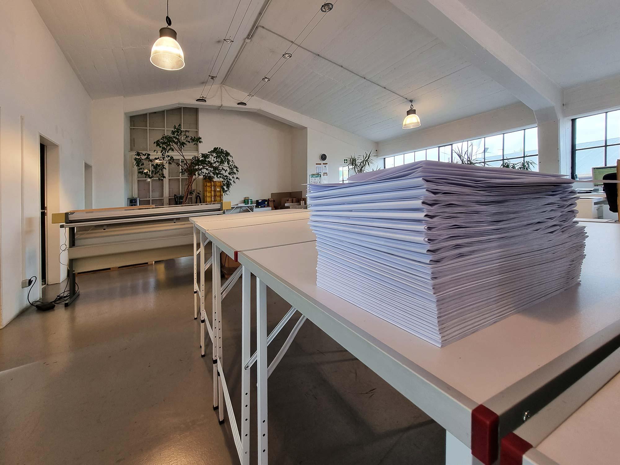 Großformate drucken und falzen - Frankfurt Digitaldruck - Große Pläne ausdrucken FFM